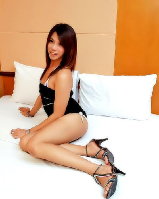 Красивый транс в бикини
