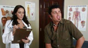 Сексуальная докторша проверила на прочность хуй пациента