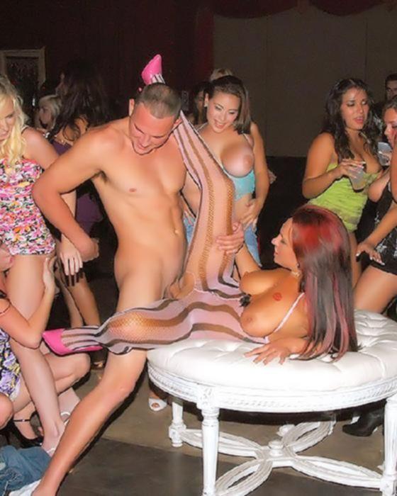 Порно вечеринка в ночном клубе