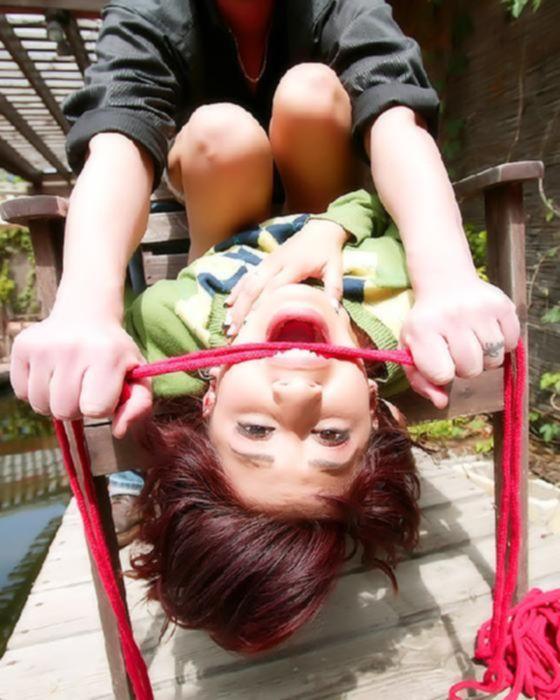 Молодую девушку поймали, связали и жёстко от трахали.
