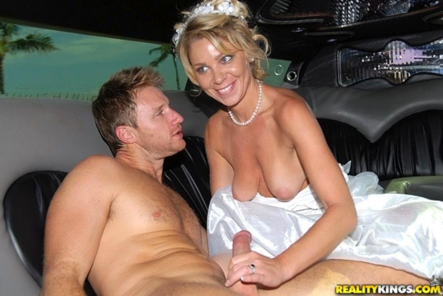 Сексапильная невеста с большими дойками переспала с братом жениха