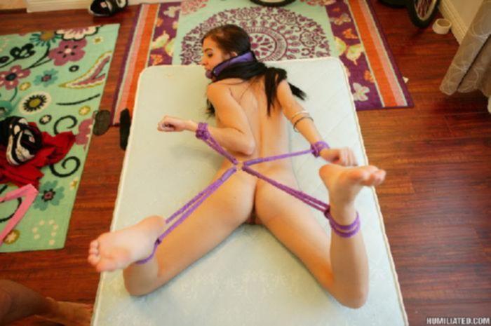 Шатенка Жанна соглашается быть секс  -рабыней