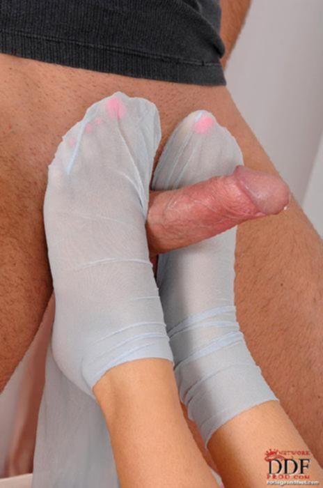 Молодая черлидерша в капронках подарила разнообразный секс кумиру