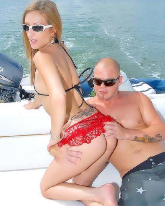Малышка в бикини устроила анальный секс на яхте