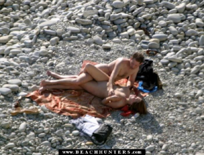 Подсмотрели за парой на пляже