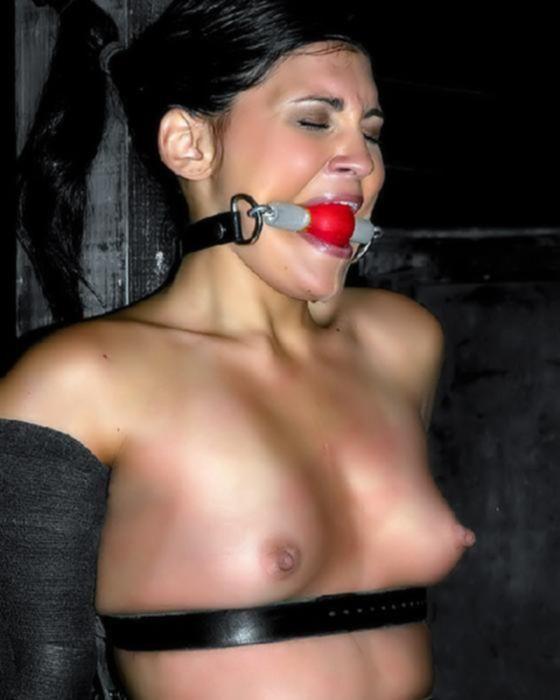 Сексуальная дама любит БДСМ
