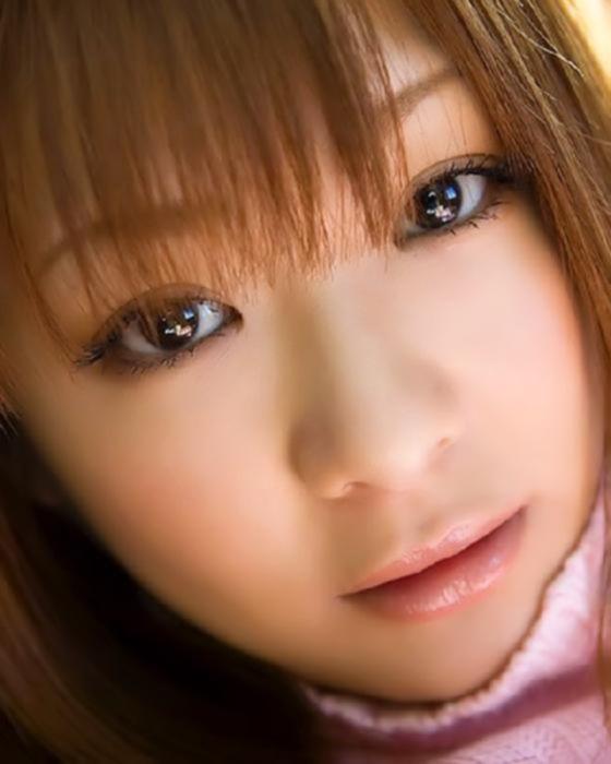 Японская девушка показала свою попку в трусиках