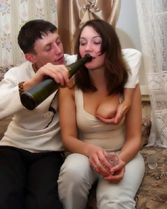 Напоил девушку и развел ее на секс