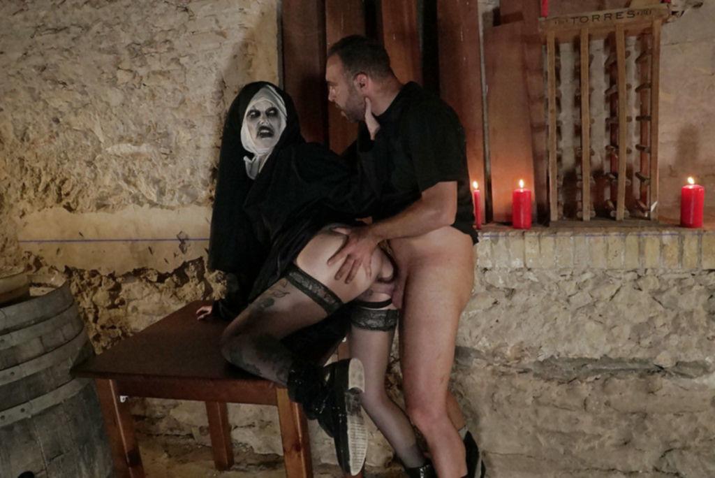 Девушка-зомби жестко трахнула бывшего парня