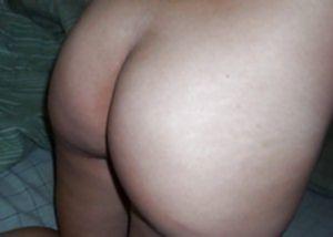 Озорная латинка Лайла Роуз показала свои большие груди и аккуратную киску!